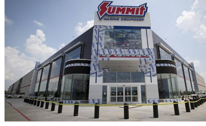 Image of Summit Racing Equipment's new Arlington store