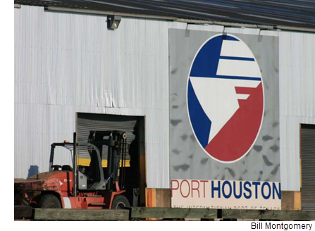 The Port Houston logo on the side of a warehouse.