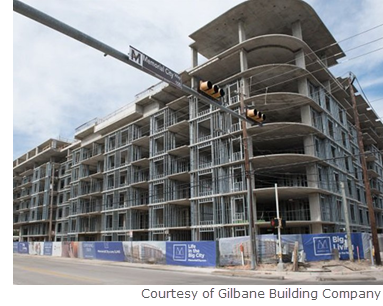 A partnership between Slate Real Estate Partners, Gilbane Building Co., and MetroNational have recently topped off the Barryknoll project in Houston.